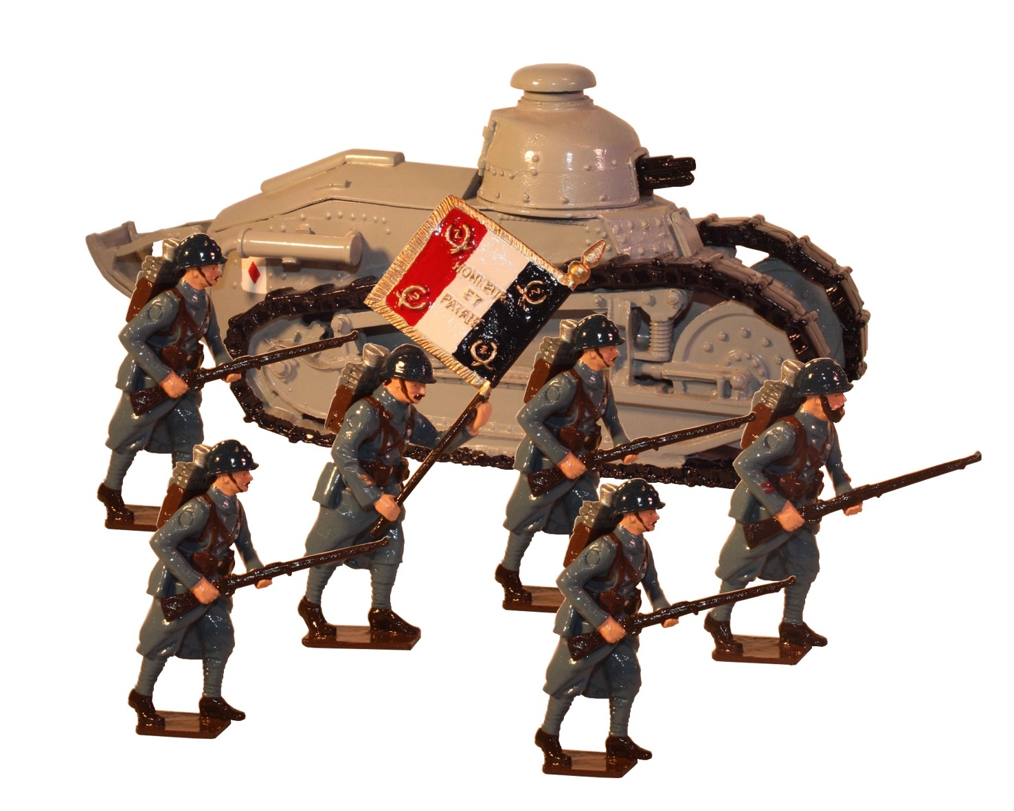 RENAULT F17 TANK WITH GUN WITH INFANTRY PAINTED