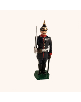 0011A 1 Toy Soldier Officer at Attention Field Marching order Kit