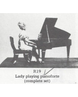 R19 - Lady playing pianoforte complete set - Unpainted