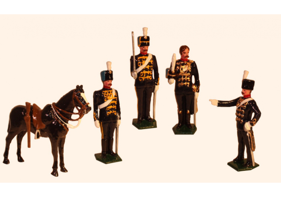 035a Toy Soldiers Set An Officer, Sergeant Major, Trooper at attention and Trooper shouldering Painted